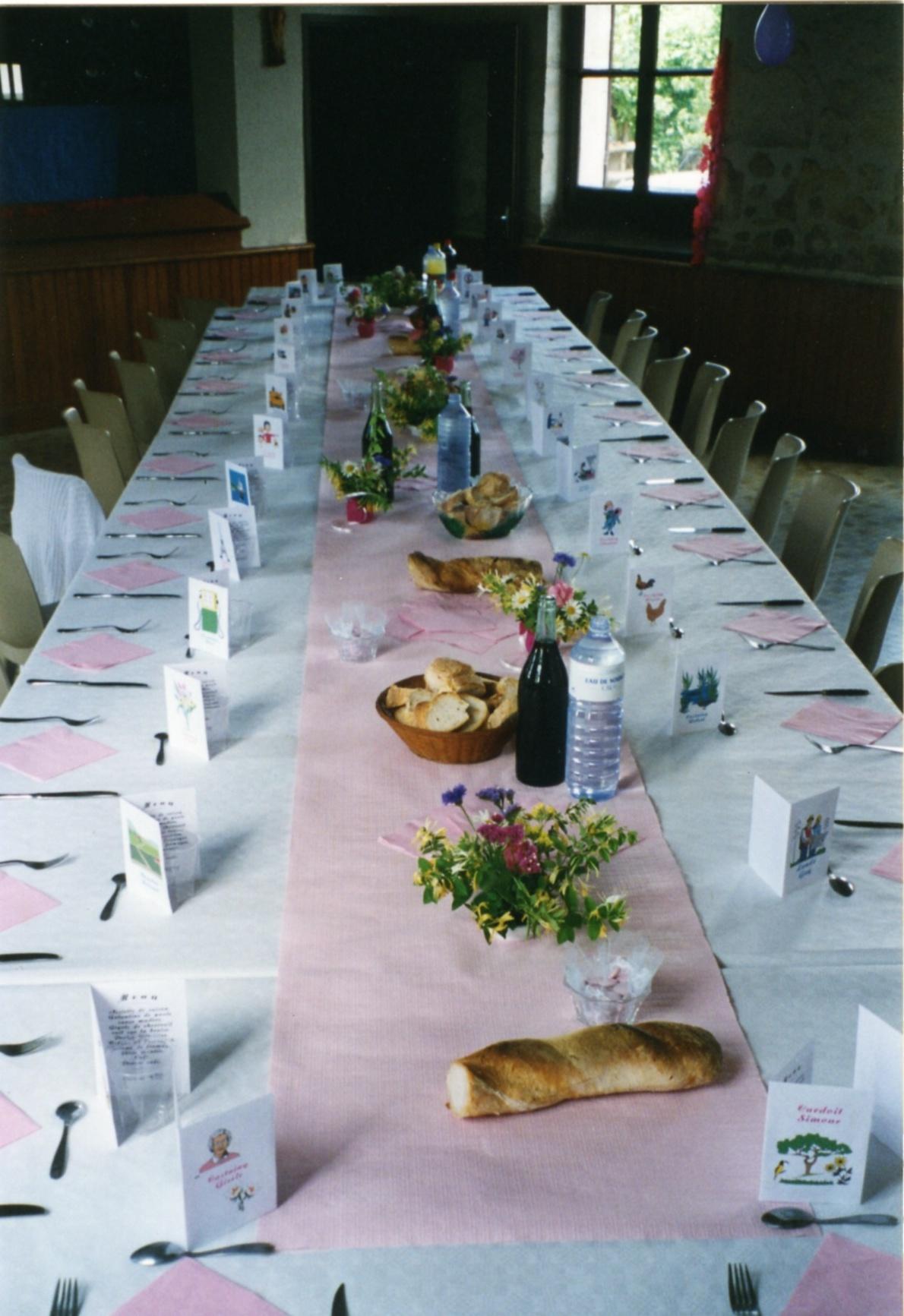 decoration de table pour une communion fille on